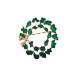 Holiday Christmas Xmas Green Gold Tone Wreath Brooch Pin